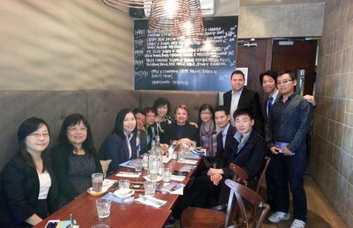 2013年影子商业部长与商会会员共进早餐