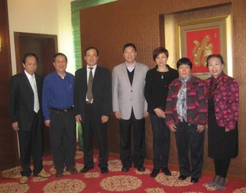 2013年李康校会长与湛江市组织部朱华雄副部长会面