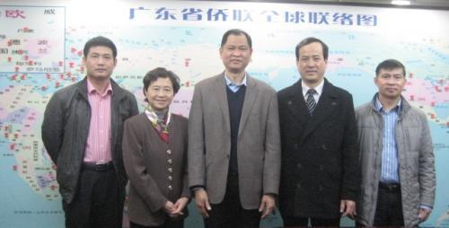 2013年李康校会长拜访广东省侨联与华清文副主席合照